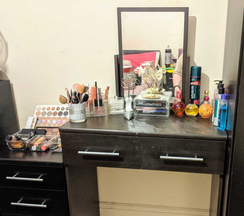 A tidy makeup desk